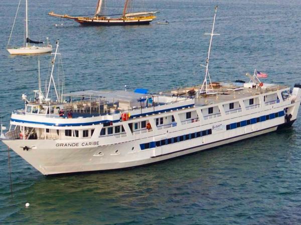Grande Caribe ship
