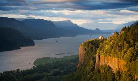 Columbia River Cruise Guide