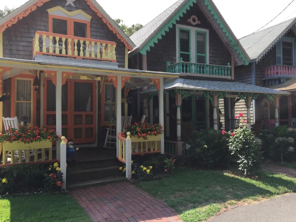 quaint gingerbread houses in oak bluffs on martha's vineyard