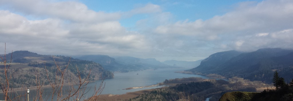 The view of the Columbia River Gorge, facing east from Crown Point Vista House, Oregon