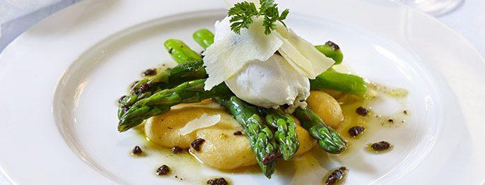 cc_asparagus_polenta_horiz_686x262_tcm21-105999