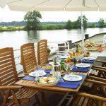dinner-on-deck1